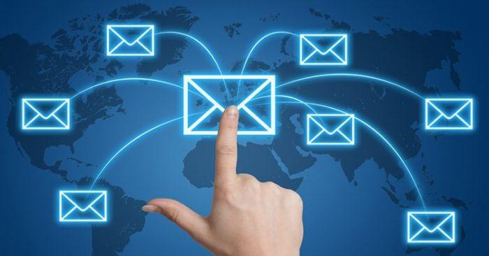 Email cá nhân đủ xài rồi, sao phải dùng thêm email doanh nghiệp?